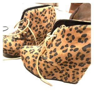 Toms-style wedges, leopard